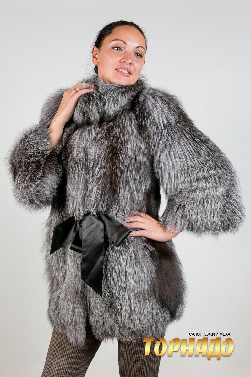 Женская шуба из чернобурой лисы. Артикул 21537.