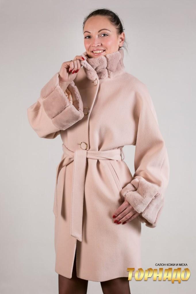 Женское пальто из кашемира. Артикул 22062.