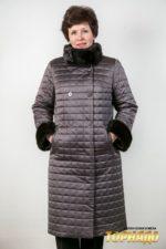 Женское пальто с отделкой из меха норки. Артикул 22595.
